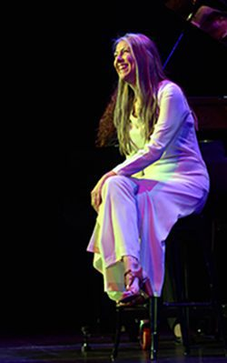 Karen Knowles In Concert